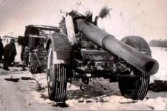 Тяжелое орудие противника, захваченное в бою за с. Михайловское